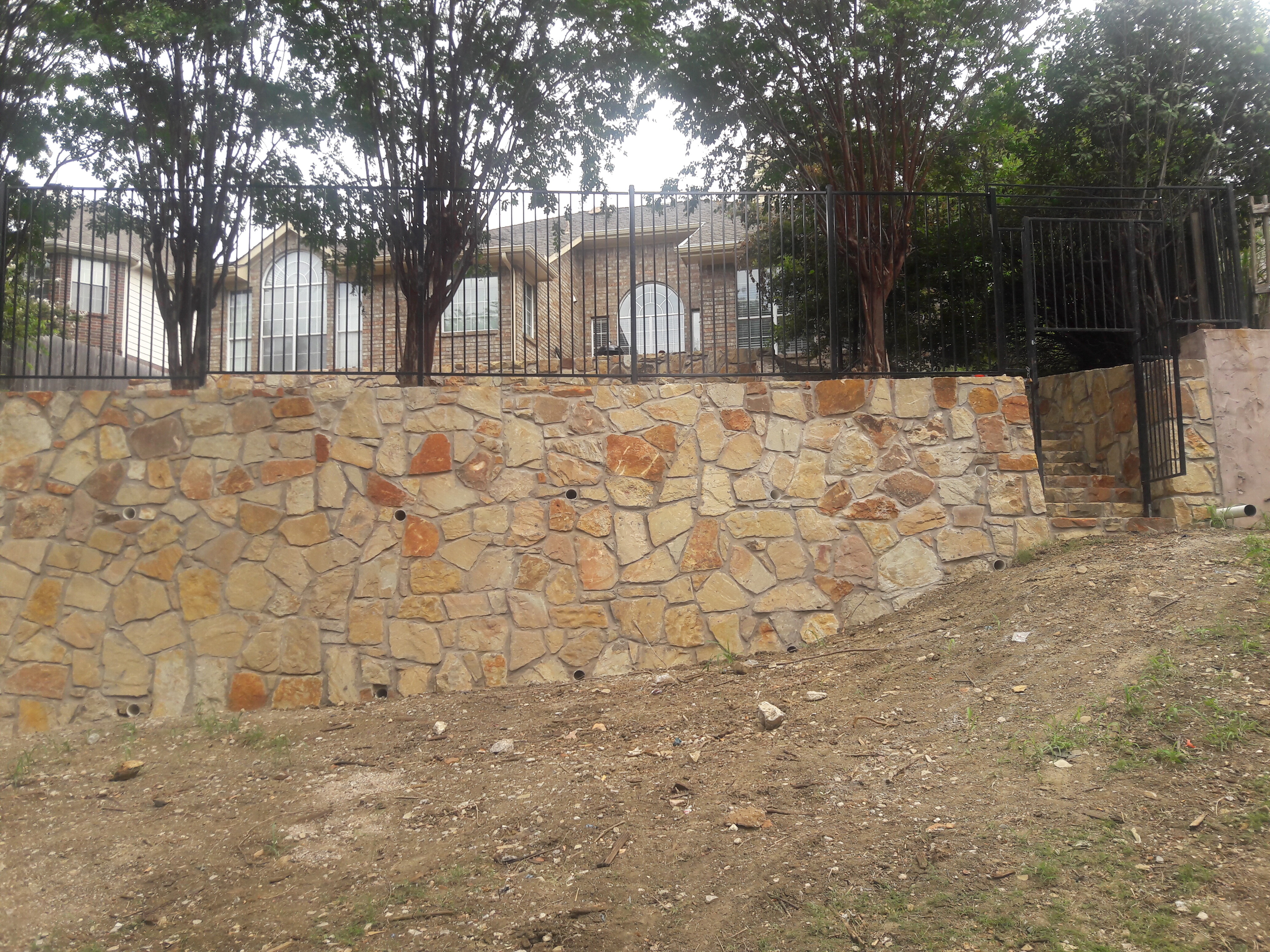 ... Retaining Wall With Stairs 3