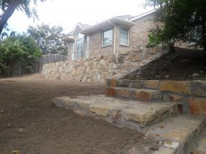 Retaining Wall With Stairs 1