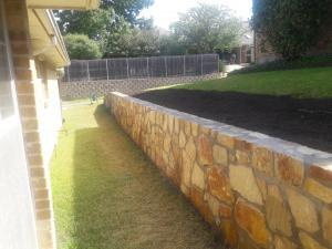 Retaining Wall Garland 3