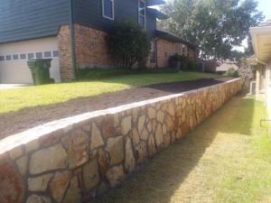 Retaining Wall Garland 1
